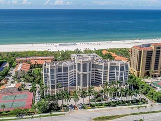 Beach Vacation Starts Here! Modern 1BR Suite with Gulf View, Balcony, Pool, Spa