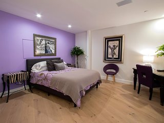 Two Bedroom Suite and New Private Bath in Suite. Hollywood Hills by Sunset Bl