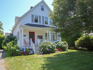 Classic Chatham Village Home, 2 Minute Walk to Downtown, Gorgeous Yard! 085-C