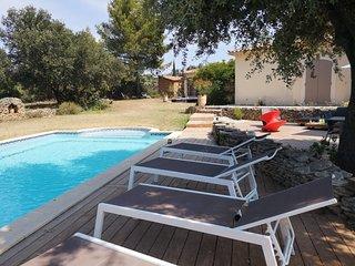 Magnifique villa avec piscine dans la garrigue