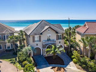 EMERALD PALACE A Luxurious Gulf Front, Coastal Home with Large Private Beach, Pr