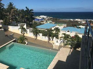 Oasis Retreat—Ocean-View Suite, Pool, Hot Tub