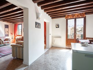 Ca'Coriandolo - Bright Two bedroom, 2 bathrooms apartment in San Marco