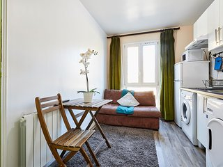 Cozy 1 bedroom apartment close to Paris