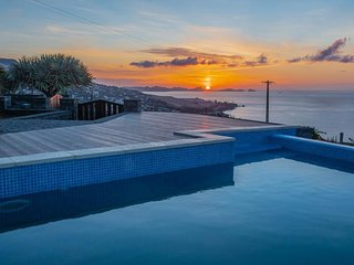 Villa Sunrise View by Madeira Sun Travel
