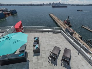 Penthouse Waterfront North Vancouver 3 Bedroom with Views, 4000 sq ft of Patios