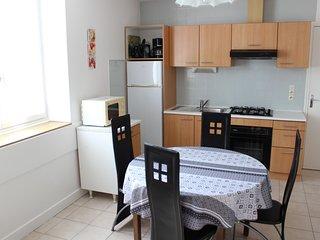 (Apt64) Appartement** Meuble Curistes Proche des Thermes St Roch 2/4 personnes