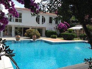 Villa Prinkipo with Pool & Garden