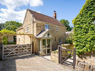 Church Orchard Cottage is a stunning property in the village of Weston Subedge