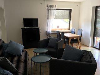 4 Zimmer Wohnung 80m2 mit Garten