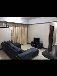 Unit 21A Tower A ManhattanHeights, Cubao, 2BR
