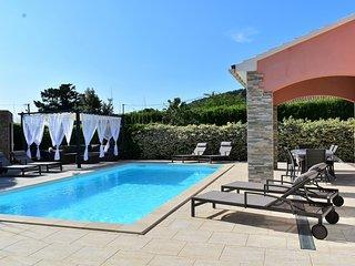 Villa Erica plain pied avec piscine chauffee location en samedi