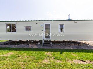 8 berth caravan for hire at Southview Holiday park ref 33041TC