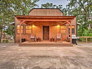 NEW! 'Western Daze' Broken Bow Cabin in Hochatown!
