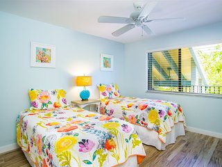 Marathon Beach Club gulfside C101 2/2