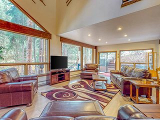 Luxurious East Vail home on Gore Creek w/ washer/dryer, hot tub, & free WiFi