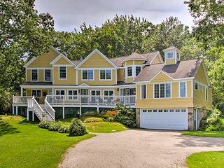 NEW! Kennebunkport House w/ Grill - Walk to Ocean!
