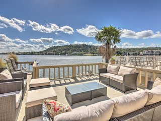 Waterfront Lake LBJ Home w/Entertainment Deck
