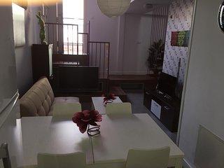 La Casita Morada es un alojamiento fuera de lo comun para el entorno donde esta.