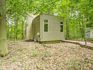 NEW! Modern Michigan City Cabin ~5 Miles to Beach!