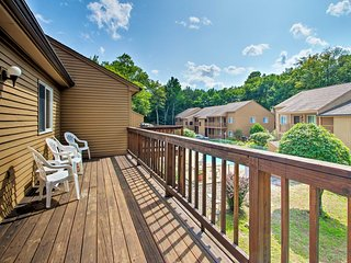 Lincoln Condo w/Pool Access, 6 Mi to Loon Mtn