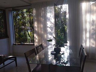 Casa de Campo com mata nativa em Nova Lima