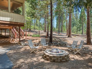 NEW LISTING! Secluded woodland home w/ shared amenities, fireplace & deck!