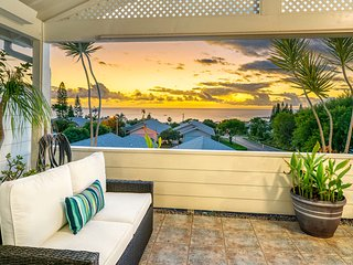 Bright, beautiful ocean view condo w/ deck, updated kitchen & garage!