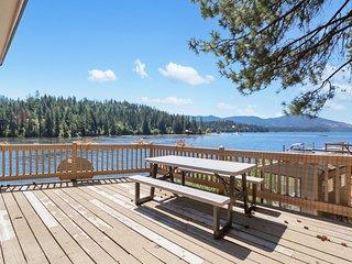 Dog-friendly, waterfront home w/ deck w/ lake views, & dock!