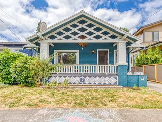 NEW LISTING! Charming Hawthorne home w/ great city access - steps to dining!