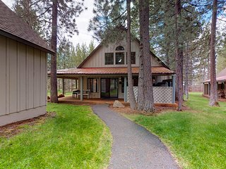 NEW LISTING! Fun cabin w/ a covered deck & private hot tub in a great location