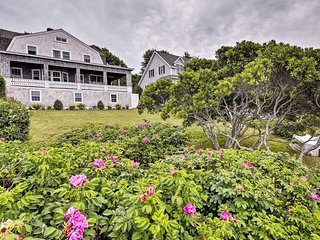 Oceanfront Cape Cod Home w/ Deck + Private Beach!