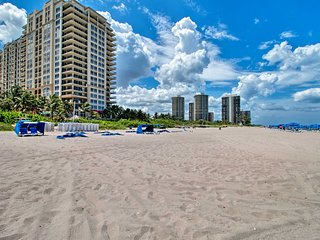 NEW Singer Island Marriott Condo w/Balcony & Pools