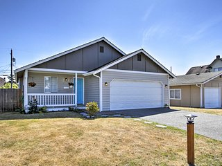 Central Tacoma Home 1.5 Mi. From Tacoma Dome!