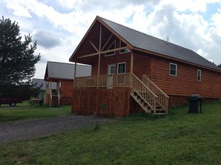Double Play Cabins 4 - Only 3 Miles To Dreams Park & 5 Miles To Cooperstown