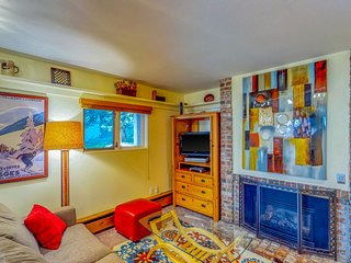 Inviting, ground floor condo w/ shared tennis - walk to slopes and Vail Village!
