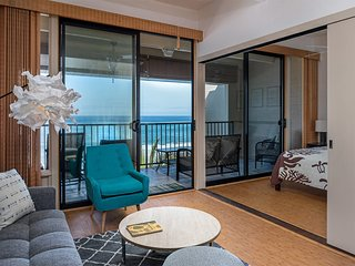 Ocean's Edge Bliss w/AC, Kitchen, Lanai, Laundry, WiFi+Flat Screens–Kona Bali