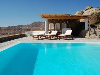 BlueVillas | Villa Nephele | Party by the pool close to Super Paradise Beach