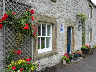 Foolow, Croft View Cottage, Peak District village