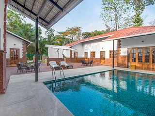 Luxurious 6-bedroom cottage with a private pool /73566