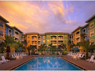 1BR Romantic Getaway at Mizner Place at Weston Town Center