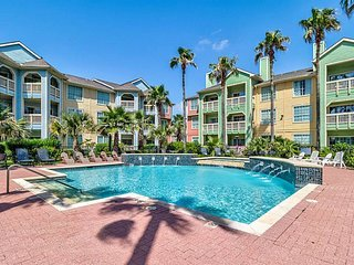 The Dawn on Galveston Beach, sleeps 5