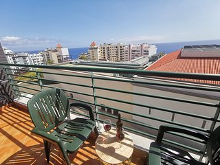 Oliveira's Atlantic View - 2 bedroom apartment with seaview