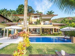 Casa espetacular com sete suítes no Condomínio Frade Villa Los Roques