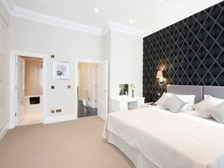 2 bed Luxury Serviced Apartment in South Kensington