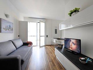 Luxury duplex apt with balcony