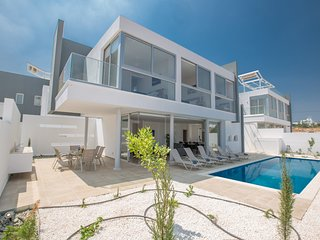 Blue Pearl Villa 2 with Private pool in Protaras center, Constructed in 2019