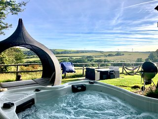 Rosie's Retreat with Private hot tub - Farm Stay