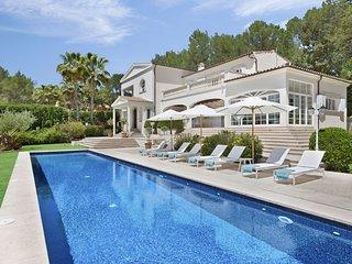 Modern luxury 4 bedroom villa with large pool near Pollensa, Mallorca