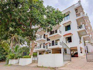 Modish 2 BHK with a shared pool, near Chapora Beach